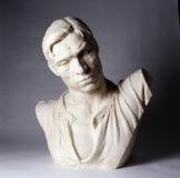 Buste en plâtre du forgeron, personnage issu du Monument de Ludovic Trarieux